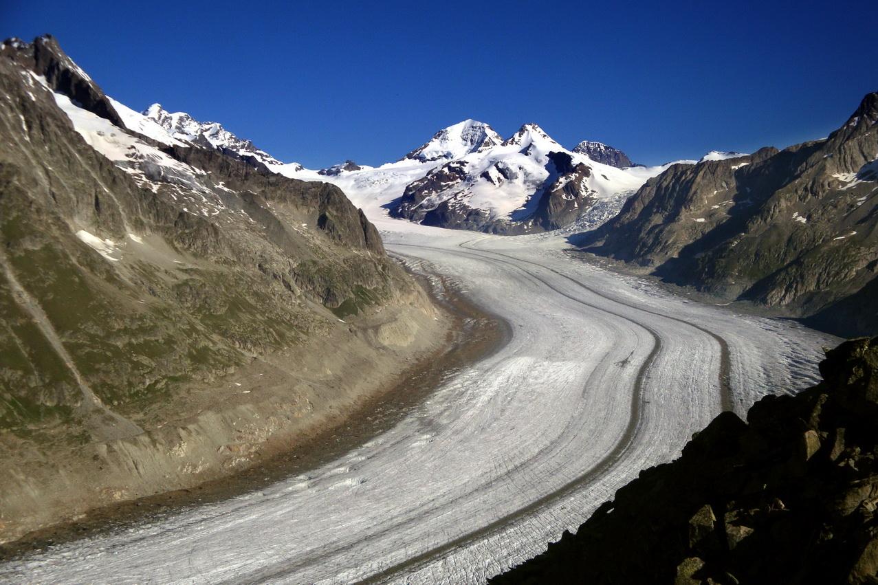 Aletschgletscher_je_najväčší_ľadovec_v_Alpách