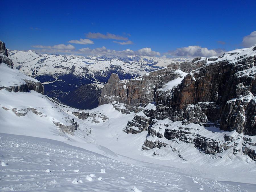 Údolí_maličkého_ledovce_Vendretta_di_Brenta