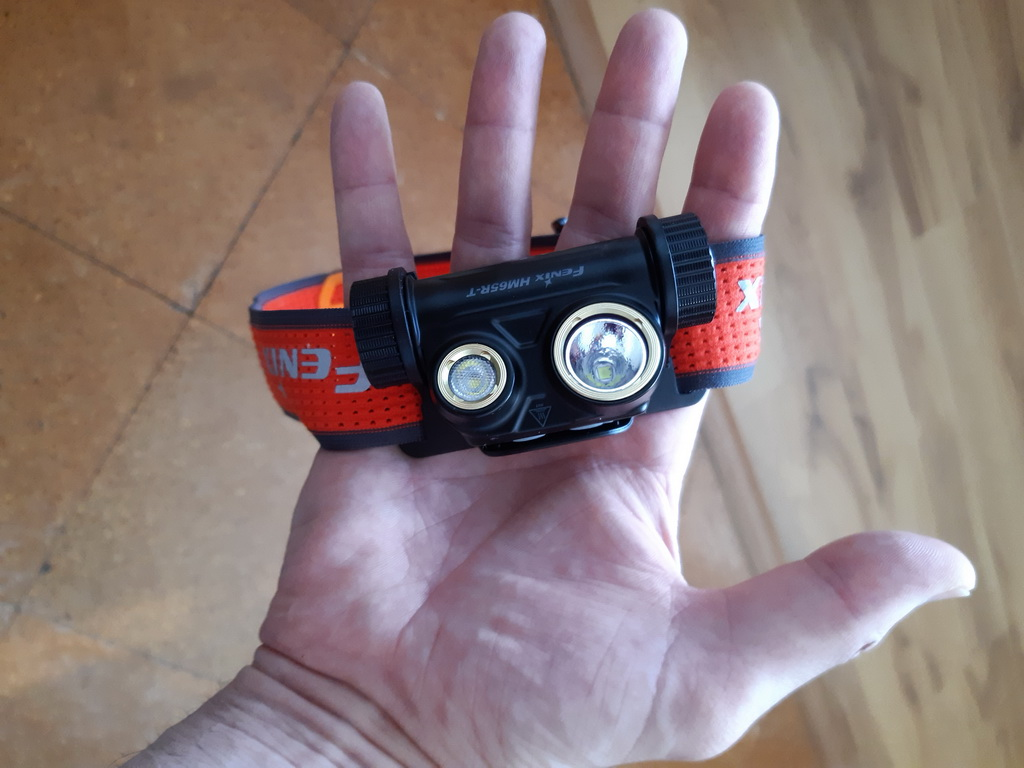 Fenix_HM65R-T_1500_lumenov,_141gr._s_batériou