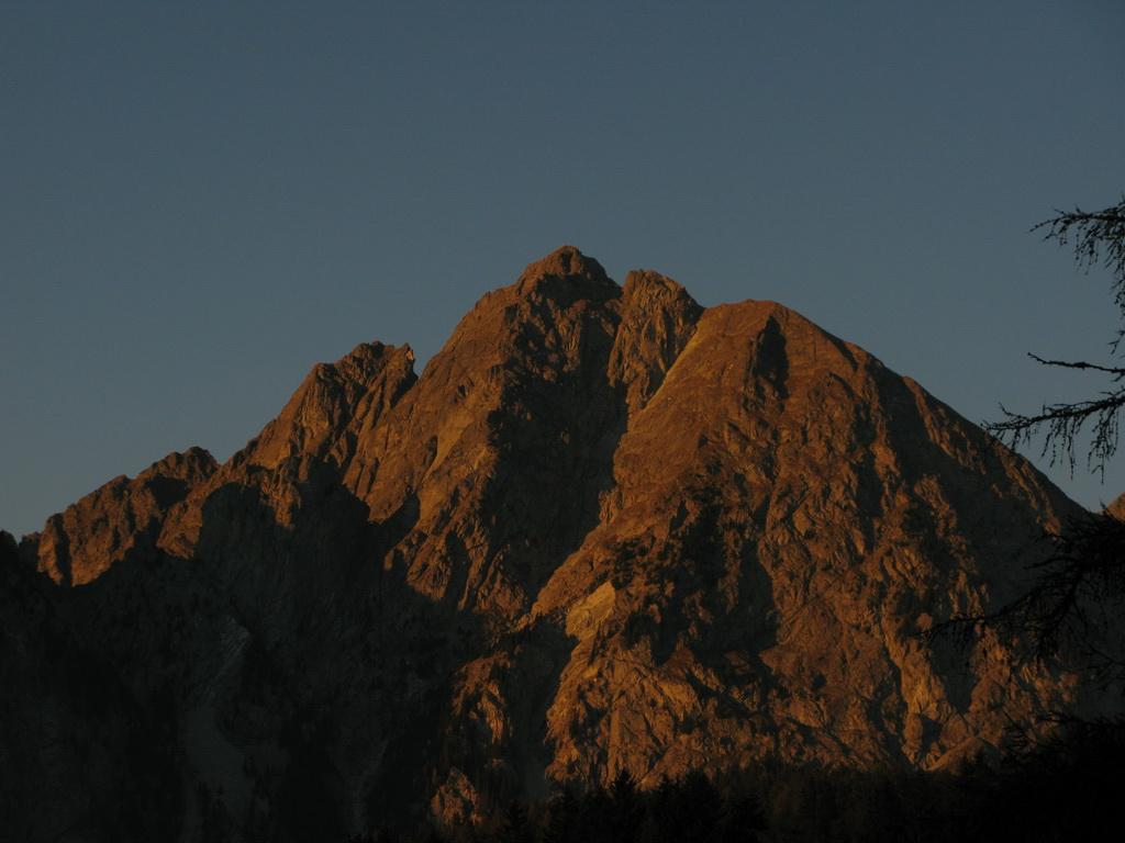 Ifinger_pri_západe_slnka